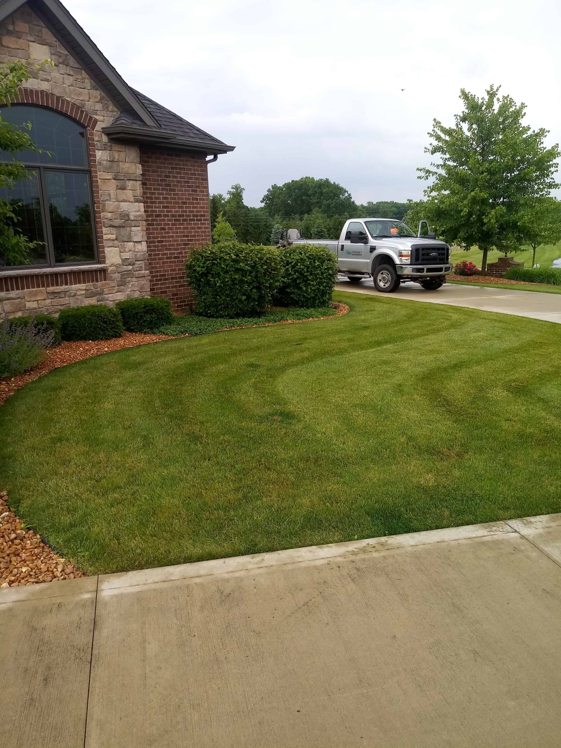 Landscaping and Mowing Services, Greater Fort Wayne Area
