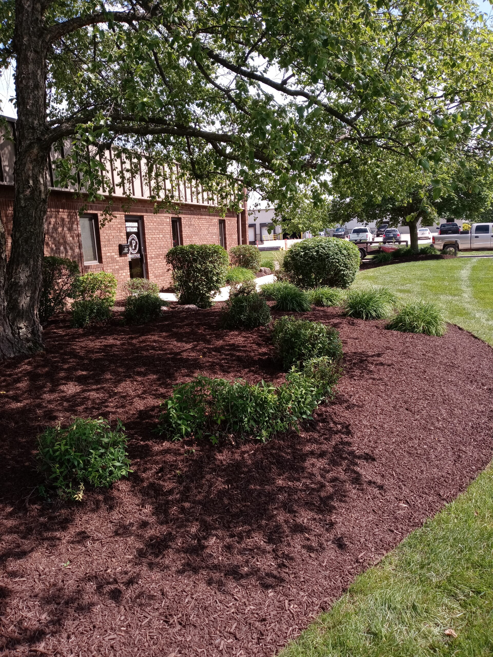 Landscaping and Mowing Services, Commercial, Greater Fort Wayne Area